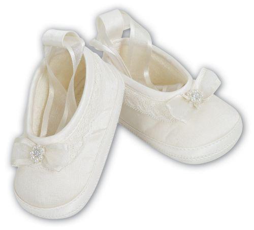 lace edge embelished shoes
