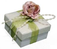 Favour Box With Velvet Feel Rose